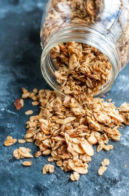healthy-homemade-granola-recipe-naturally-sweet-peasandcrayons-1202